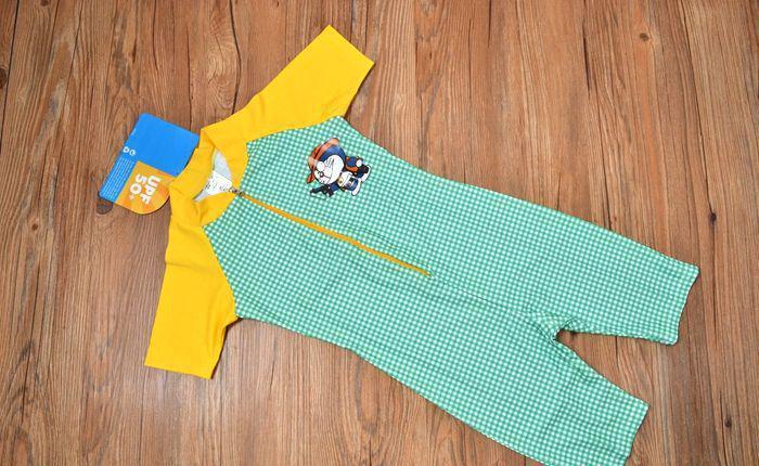 【现货】外贸原单夏款 男童机器猫小叮当家族绿格黄袖连体泳衣